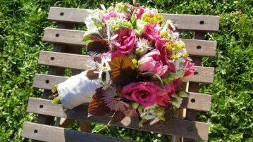 Brautstrauss-fruehlingshaft-pink-hellgruen