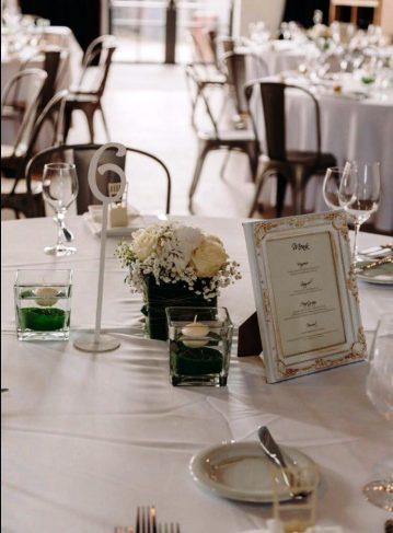 Tischdekoration-Hochzeit-Kolbermoor-mit Schwimmkerzen
