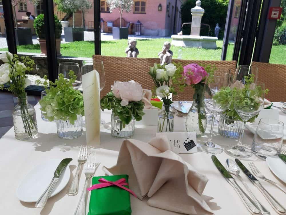Tischdekoration-rosa-weiss-gruen